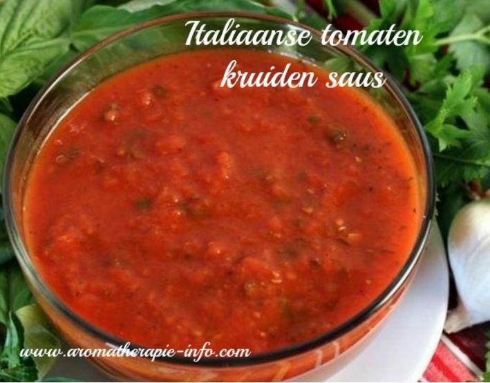 Deze heerlijke Italiaanse tomaten kruidensaus is een perfecte basissaus voor vele gerechten. Gezond en makkelijk om te maken.