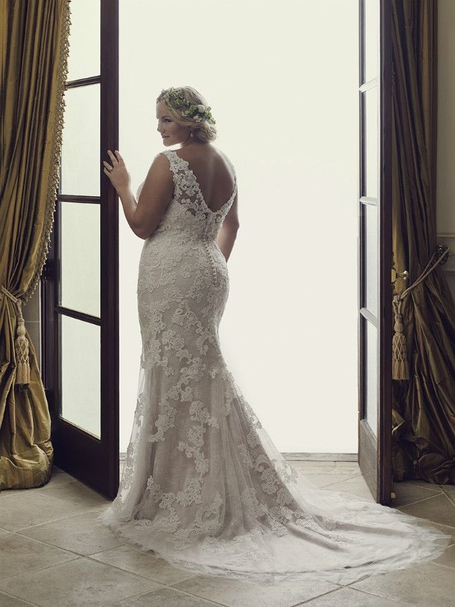 California 5 Fabulous Gowns for the Full-Figured Bride