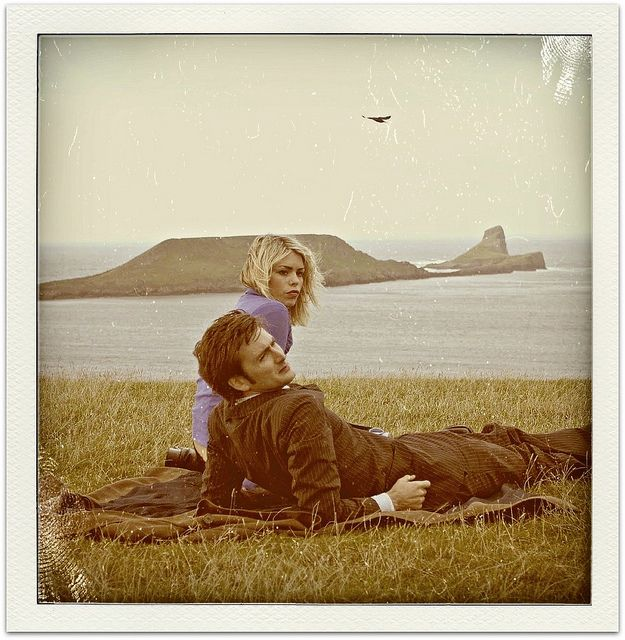 http://www.flickr.com/photos/daughterofchaucer/5646317027/in/set-72157626375131819/ ~ Billie Piper and David Tennant from DOCTOR WHO (#dw01) ~ daughter of chaucer on Flickr ~ rose tyler