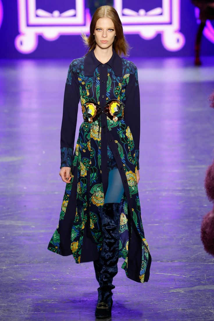 Anna Sui Fall 2016 Ready-to-Wear Fashion Show  http://www.theclosetfeminist.ca/  http://www.vogue.com/fashion-shows/fall-2016-ready-to-wear/anna-sui/slideshow/collection#7