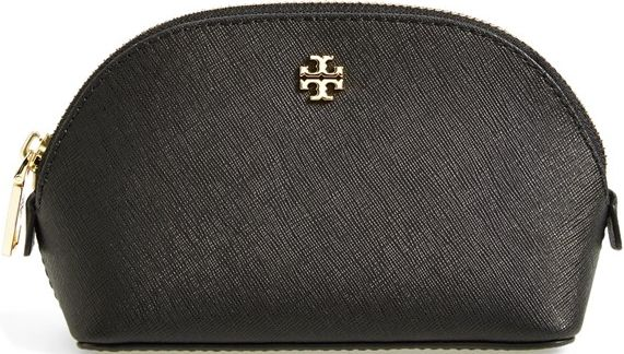 •Website: http://www.cuteandstylishbags.com/portfolio/tory-burch-black-small-york-cosmetics-case/ •Bag: Tory Burch Black 'Small York' Cosmetics Case
