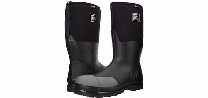 Rubber work boots are suitable for almost all work conditions and environments but are particularly ideal for working in wet conditions such as mines, wet cement or in mud and sludge.