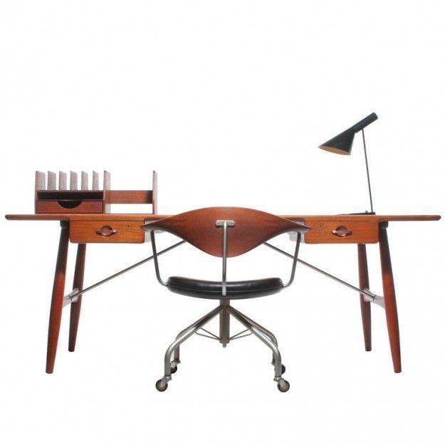 Hans Wegner for Johannes Hansen - the Architect's Desk: Johannes Hansen, Antiques Furniture, Dining Table, Architects Desks, Work Spaces, Offices Chairs, Danishes Modern, Hans Wegner, Boards