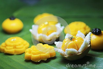 Thong ek is one of the nine auspicious traditional Thai desserts. It is a golden…