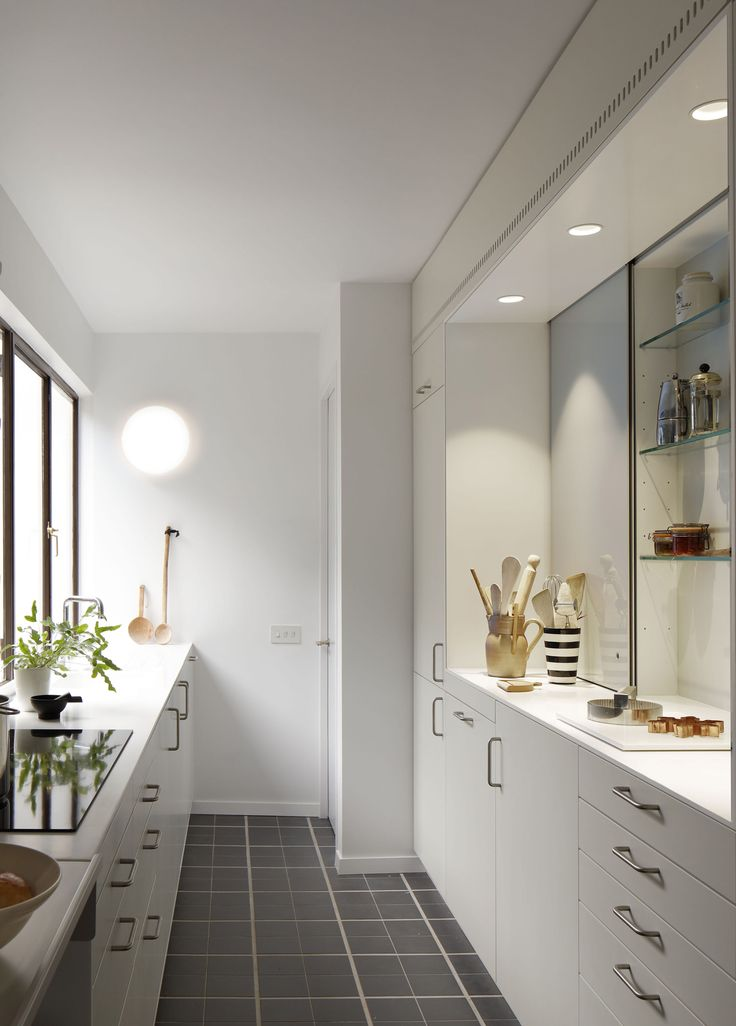 Apartment 2 in London's Highpoint II by Coppin Dockray Architects | Yellowtrace