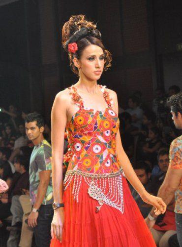 Rajasthan Fashion Week: Model walking the ramp