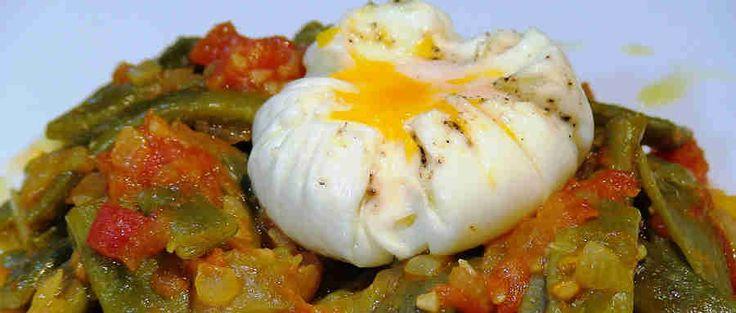 Judias-con-tomate-y-huevo-pochado.jpg