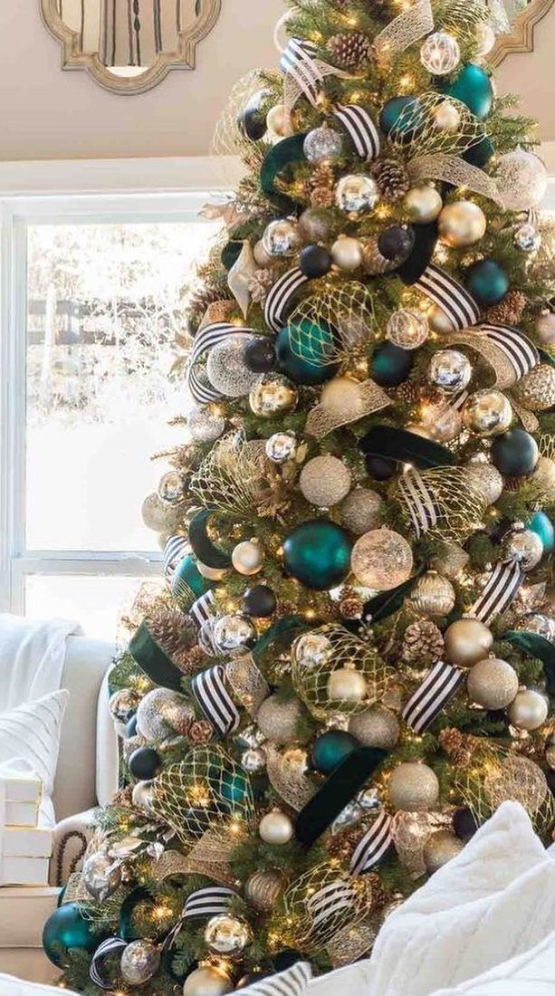 35 Amazing Christmas Tree Decoration Ideas You Must Try In 2020 Page 22 Of 34 Newyearlights Com In 2020 Christmas Tree Inspiration Amazing Christmas Trees Christmas Tree Decorations
