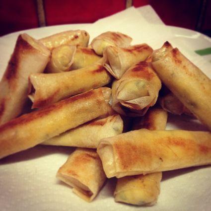 Cigarettes feta menthe - Cuisine Libanaise http://cuisine.journaldesfemmes.com/recette/356124-cigares-croustillants-a-la-feta-et-a-la-menthe