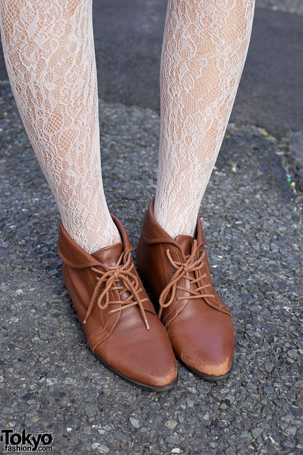 Lace tights & Oxford shoes I actually like the shoes!!!! And the tights just not together!!!