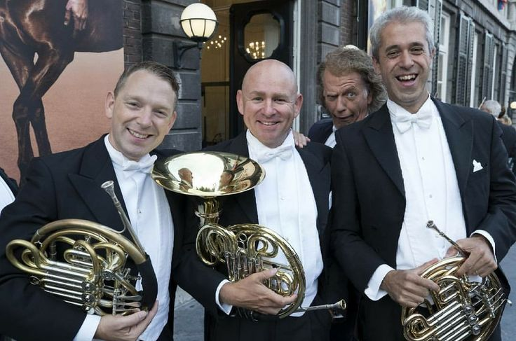 André Rieu and some members of the JSO (Maastricht, 2017)