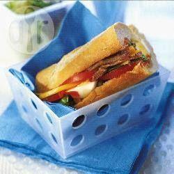 Foto recept: Pan bagna met ei en ansjovis