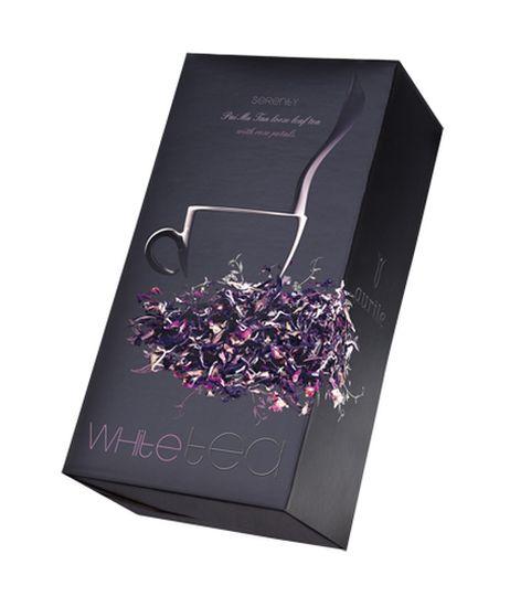 Aurile Serenity Bílý čaj - ušlechtilý sypaný bílý čaj s okvětními lístky růží, lehce květinovým aroma a harmonickou chutí okouzlí svou sametovostí. Jedná se o velmi jemné složení s lehce nasládlou chutí, bohaté na vitamíny A a E a polyfenoly. Bílý čaj. Objem: 30 g