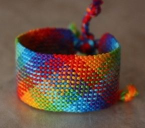 Complicated but beautiful friendship bracelet tutorial