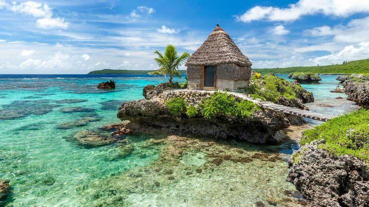 tribal accommodation Mare New Caledonia (Credit: © Destination Iles Loyaute Ducandas)