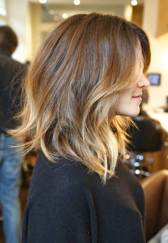 The lob haircut, or long bob, and its relatives (the bob and wavy bob) are taking the scene by storm. Come see how 7 celebs are wearing the lob haircut.