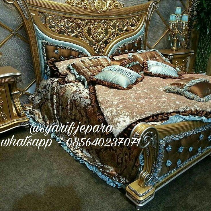 Product : Modern bedroom set Alicia Material :  Kayu Mahogany Finishing : Gold Combination Price : Contact Us Whatsapp 085640237071 Call 082331583274