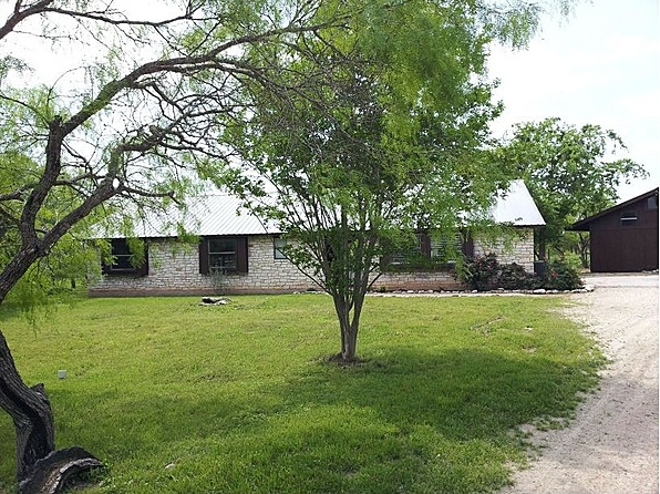 This 1957 square foot single family home has 4 bedrooms and 2.0 bathrooms. It is located at 10704   Parsons Rd   Manor, Texas. This home is in the Manor ISD School District. The nearest schools are Blake MAnor Elementary, Manor Middle School and Manor HS and Manor New Tech HS. #zillow