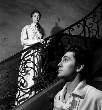 """Atelier Robert Doisneau   Site officiel // Anouk Aimée et Jean Claude Pascal tournent """"Le rideau cramoisi"""" 1953"""