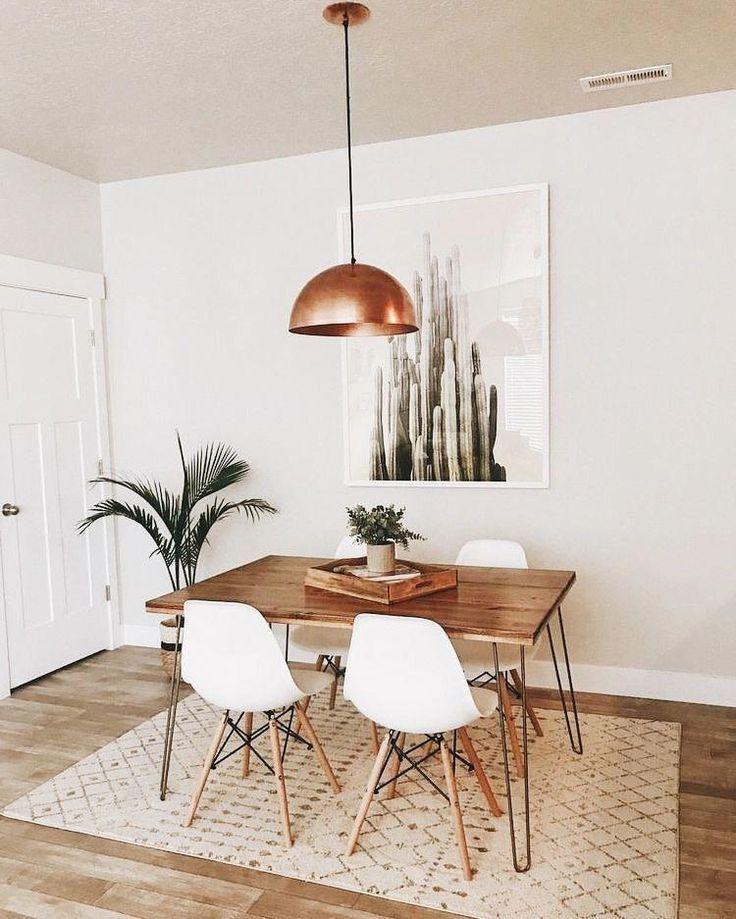Ich liebe dieses kleine Esszimmer! großartiges Design. Lieben diese Overhead Lightin