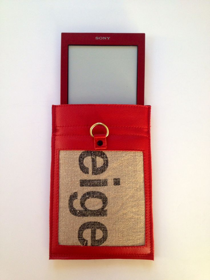 Small bag for the Sony ereader. Used Dutch postbag and red leather.