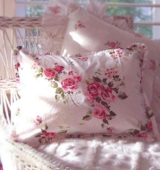 Shabby Chic Pink Pillows : 776 best images about Shabby Chic on Pinterest
