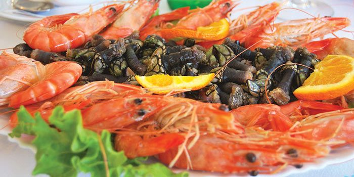 Top 10 foods to try in Lisbon - via BBC GoodFood 26-02-2017 | Lisbon is a European capital filled with new-wave Portuguese cuisine and bustling street markets. Grab yourself a bargain flight and take a foodie holiday. Photo: Seafood