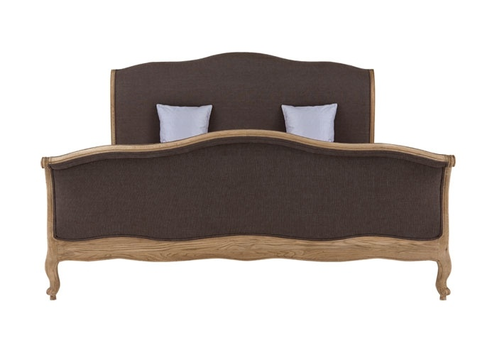 Säng i ek 180 x 200 cm.