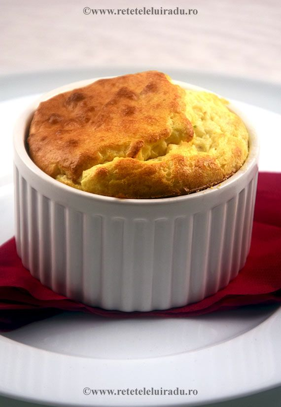 Cheeses and chives soufflé