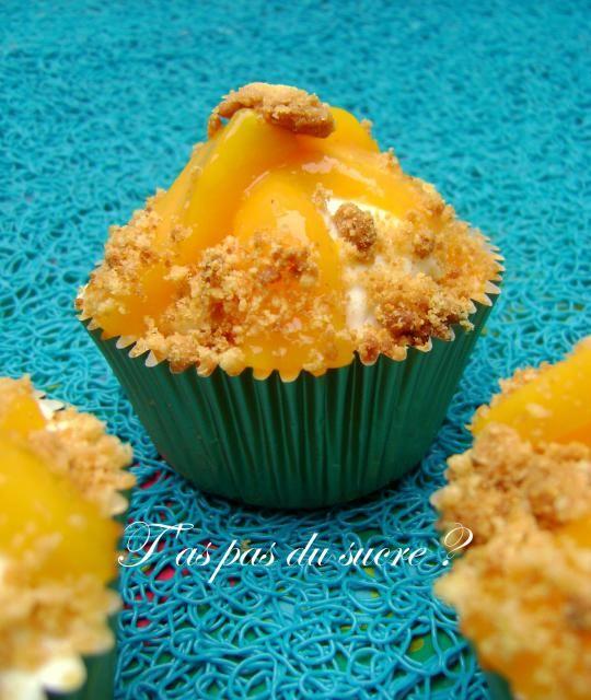 Cupcakes à la mangue, mascarpone au citron vert et crumble citronné, Recette de Cupcakes à la mangue, mascarpone au citron vert et crumble citronné par t'as pas du sucre ? - Food Reporter