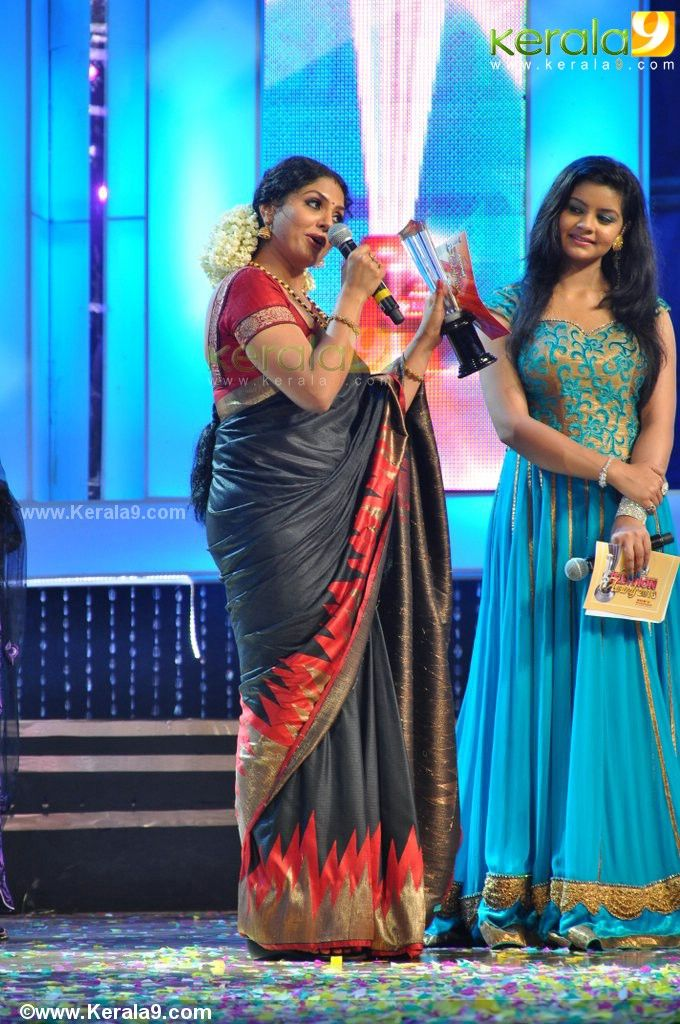 asianet tv award 2013 gold star of the year asha sarath photos 325-006