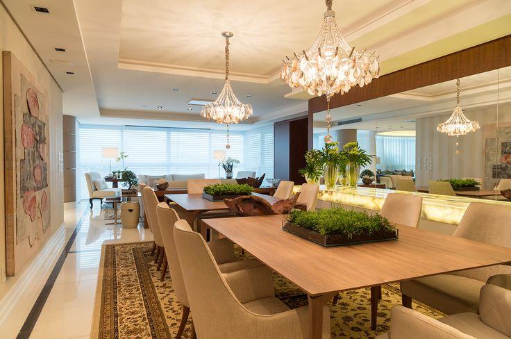 Comedor con mesa aparador y buffet de ónice iluminado! - HouseDécor España