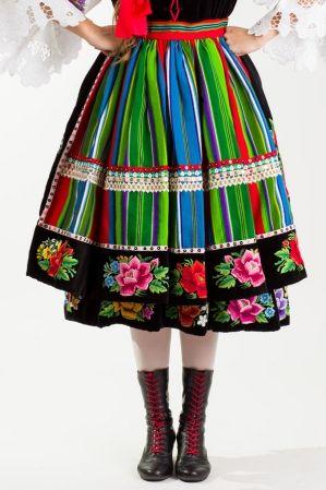 tradycyjny ludowy strój fartuch łowicki zapaska do stroju