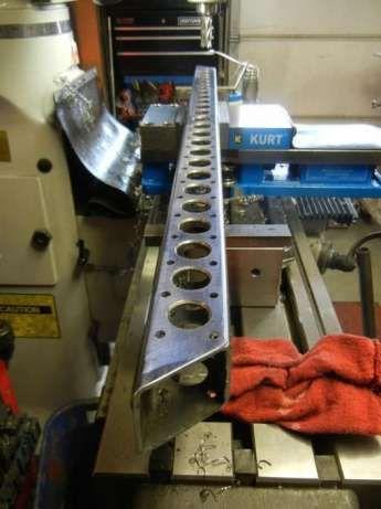 Sistem de gaurire cu carota la pozitie, pe santier, in atelier sau la comanda.  Cu carota HSS sau carburi metalice, gaurire de inalta precizie, in metal, pana la grosimea de 75 mm .  Diametru mini...