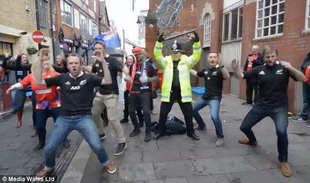 Welsh policeman Rob Green joined in the Haka with Wales and New Zealand fans before the two teams met at the Millennium Stadium last weekend