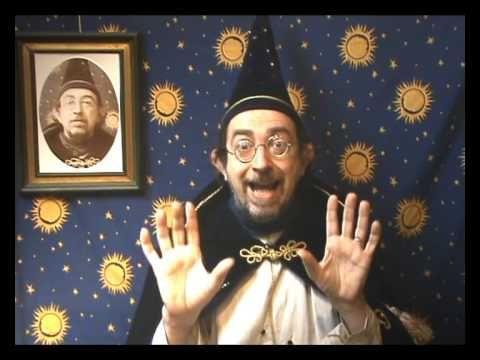 Mario toont voor: een Tovertruc om zelf mee te doen - deel 4 | Tijdens het Idee Kids Tovenaarskamp komt Tovenaar Mario of Peter Pocus op bezoek. De deelnemers krijgen verschillende tovenaarsworkshops!
