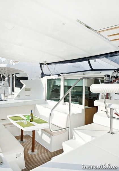 Easy to maneuver, fast, spacious, a boat for all the family to cruise in! From Athens, Greece to all the Greek islands.