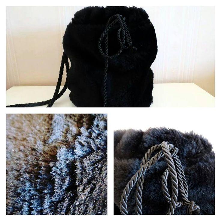 Faux fur sack-bag