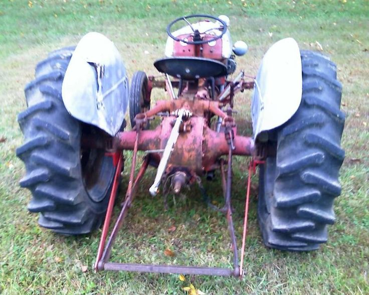 Using your Ford 8N tractor & implements