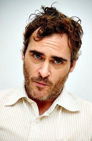 Joaquin Phoenix. Eyes, beard, mouth. It's confirmed. Rejoyce! He is _totally_ channelling Richard Burton.
