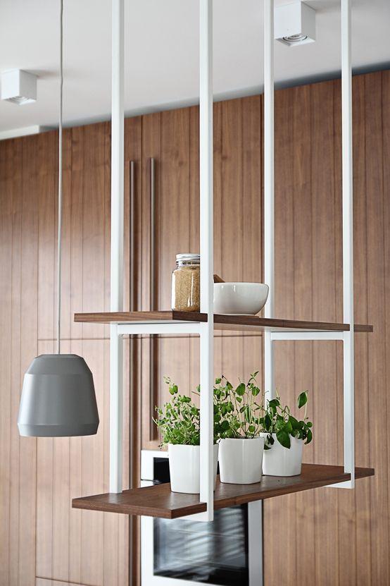 Regał, szafka, półka, meble do kuchni, styl Bauhaus. Zobacz więcej na: https://www.homify.pl/katalogi-inspiracji/19696/regaly-w-stylu-bauhaus-5-przykladow