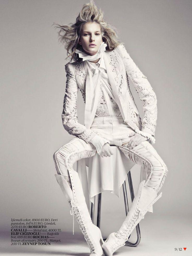 White-Fashion-Editorial-for-Vogue-Turkey-April-2013-8
