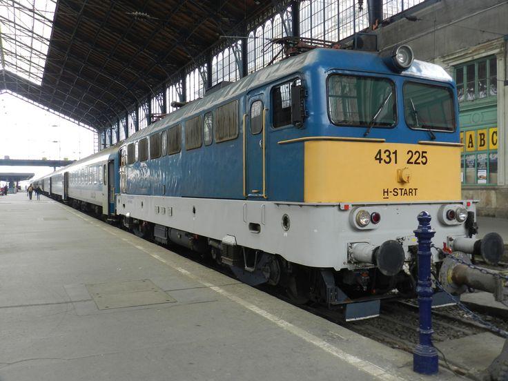 A 431-225 Szili a bakon várja a szabadítást... :-D