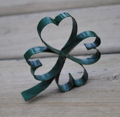 "St. Patrick's Day ""Paper Roll Shamrocks"" directions from ChildMadeTutorials.blogspot.com."