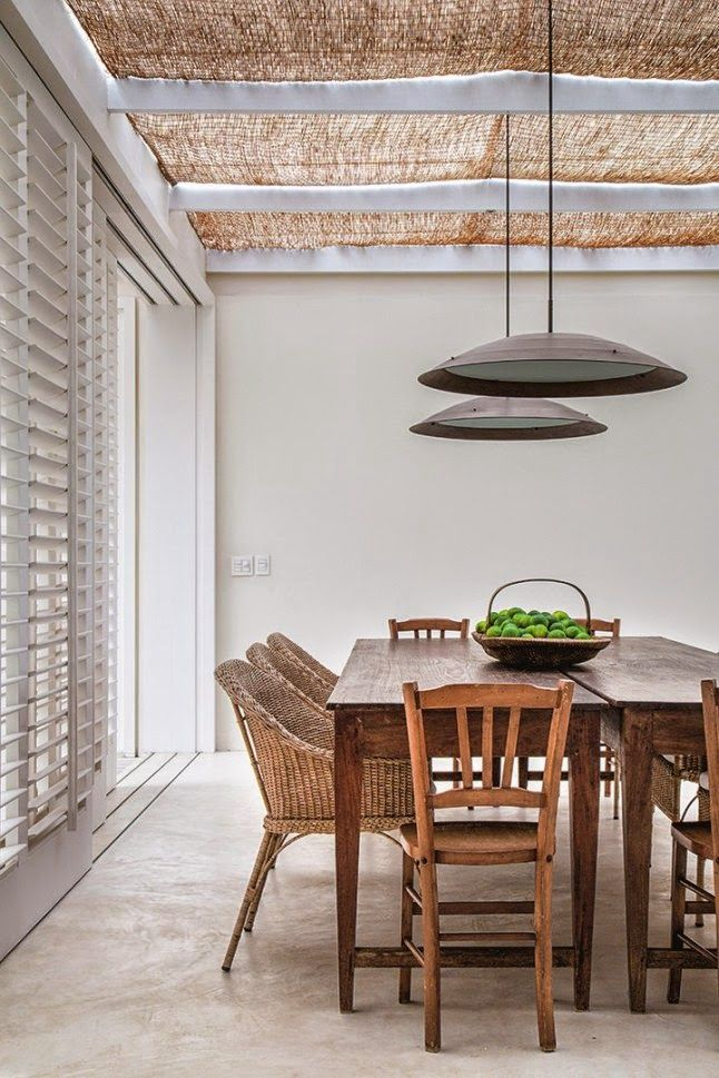 Respect, Aretha Franklin - Emmi Cover casa em mangaratiba Esta casa assinada pela arquiteta Lia Siqueira está sempre de portas aberta...