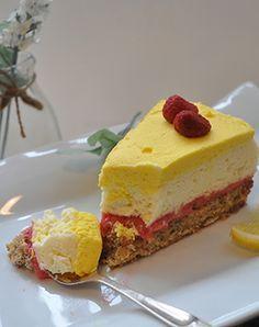 Da jeg så den vidunderlige H.C. Andersens kage fra Le Glace, tænkte jeg straks at den skulle jeg prøve at lave. Den så bare så fantastisk lækker ud, og var til og med lavet med citronfromage, som j…