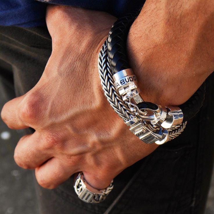 Heren armband van Buddha to Buddha. Leren of zilver armband.  www.ajuweliers.nl