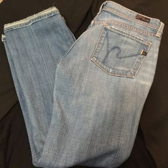 Citizens of Humanity jeans Ingrid #002 low waist flair. Size 29. Very flattering and in great condition. Need it gone. No holes / stains. Citizens of Humanity Jeans Flare & Wide Leg