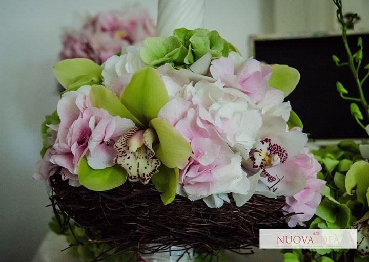 Lumânările de nuntă trebuie să se încadreze perfect în tematica evenimentului dar în același timp trebuie să fie reprezentative pentru ținuta voastră a mirilor. NuovaIdea te ajută să alegi și să creezi lumânările de nuntă care se potrivesc cel mai bine cu personalitatea ta. http://ift.tt/2mFbHx8