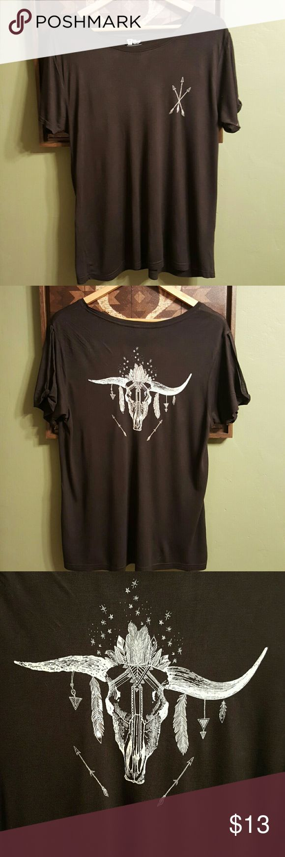 ARROW / LONG HORN SKULL WOMENS TEE - BLACK Very soft 100% cotton tee shirt. Front side has arrows, back of shirt has an image of a long horn skull/feathers/arrows. Womens size medium. Never worn! Comes from a non-smoking home. Cotton On Tops Tees - Short Sleeve